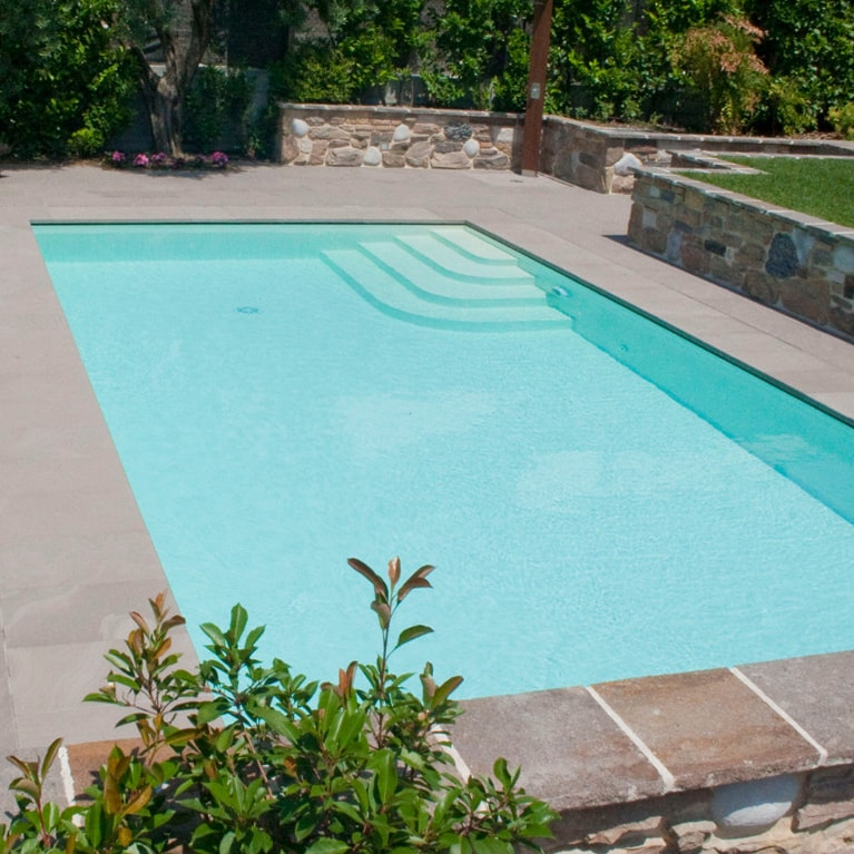 Ebenerdiger Swimmingpool Rosenheim